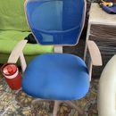 Ghế xoay bọc nỉ xanh lưng lưới cũ