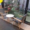 Bộ bàn ghế cafe khung gỗ bọc đệm vải sang đẹp