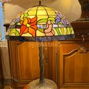 Đèn bàn tiffany họa tiết hoa ly phong cách châu âu