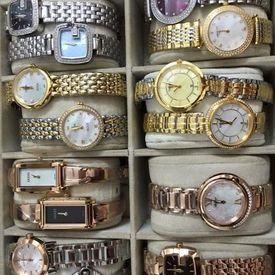 Hàng Trăm mẫu đồng hồ thời trang Nữ giá rẻ.Món quà ý nghĩa cho một nửa của mình.giảm 50 100k